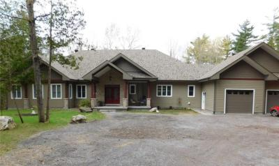 Photo of 240 Mcleod Road, Burnstown, Ontario K0J1G0