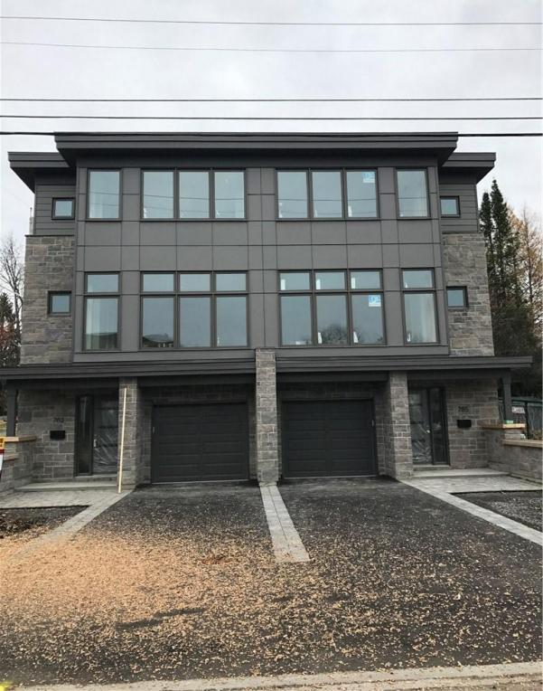 783 De L'eglise Street, Ottawa, Ontario K1K1C2