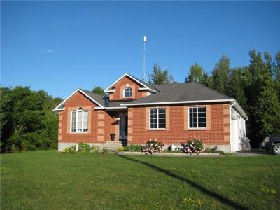 Photo of 8580 Fallowfield Road, Ashton, Ontario K0A1B8