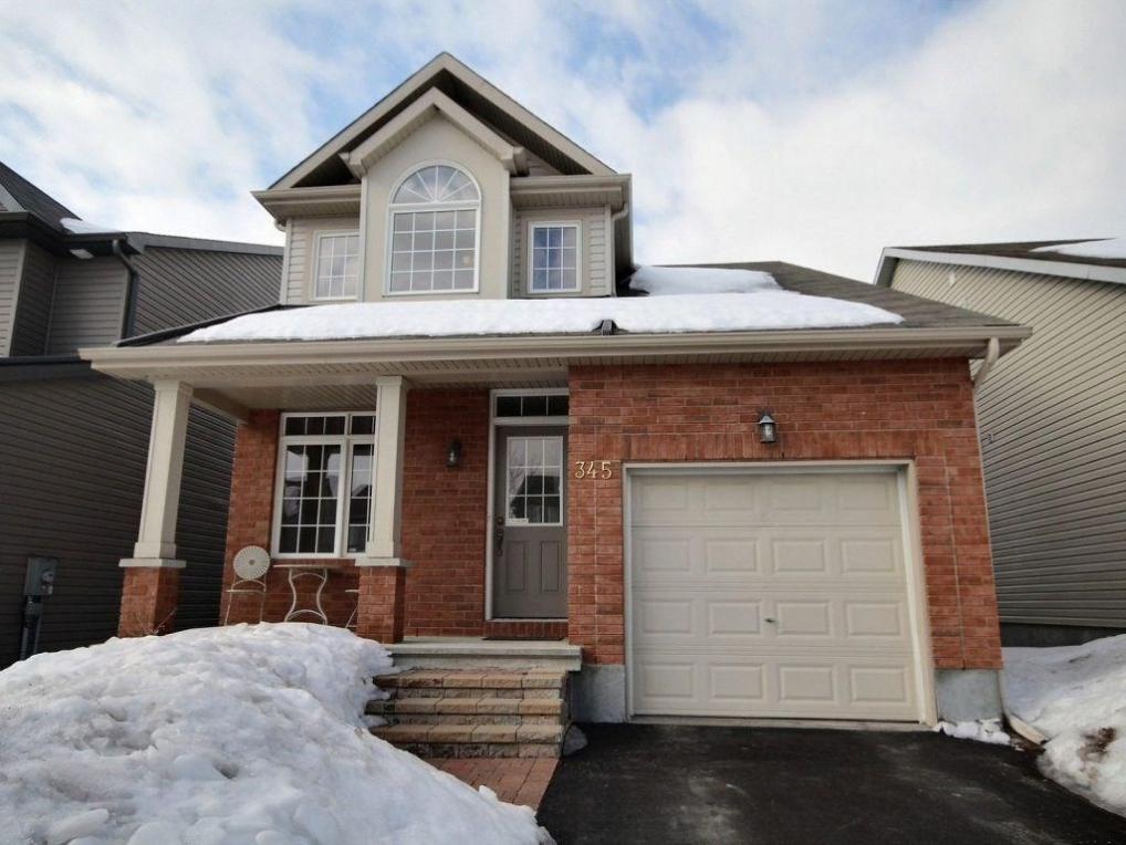 345 Jasper Crescent, Rockland, Ontario K4K0C9