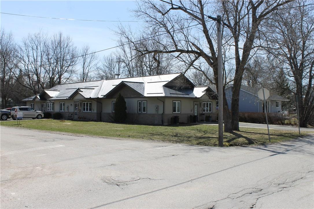 19 Spring Street, Westport, Ontario K0G1X0