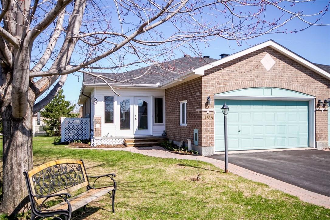 104 Amberlakes Drive, Ottawa, Ontario K2S2A1