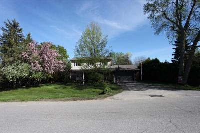 Photo of 1055 Hill Street, Manotick, Ontario K4M1J2