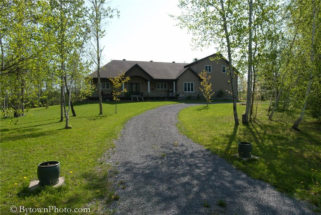 6 Aime Road, Limoges, Ontario K0A2M0