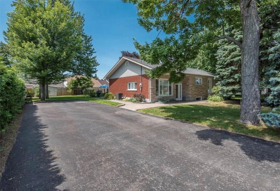 2586 Page Road, Ottawa, Ontario K1W1E8