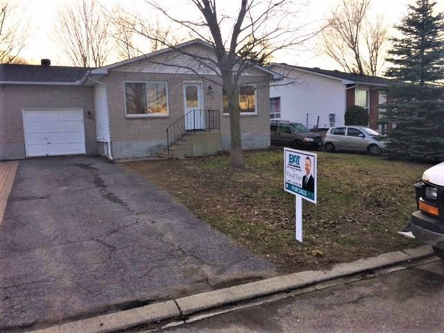 972 Dianne Avenue, Rockland, Ontario K4K1G7
