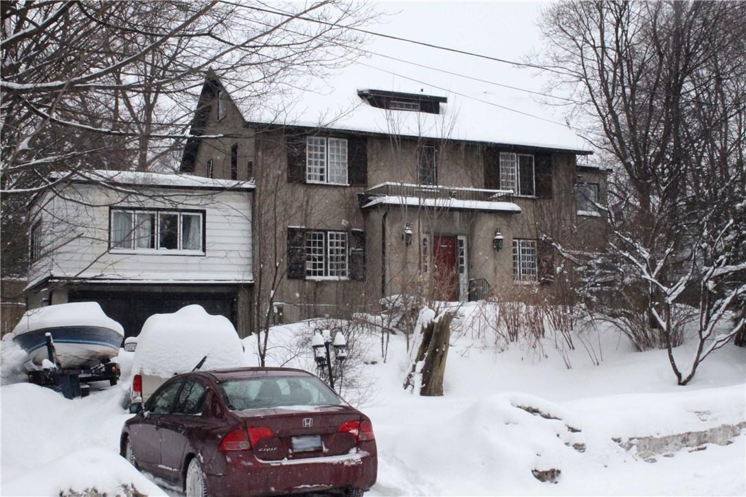 161 Maple Lane, Ottawa, Ontario K1M1G4