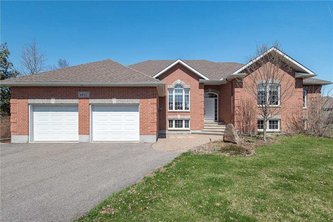 6935 South Village Drive, Greely, Ontario K4P0A3