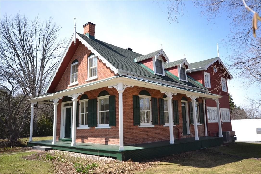 2619 Old Montreal Road, Cumberland, Ontario K4C1A2