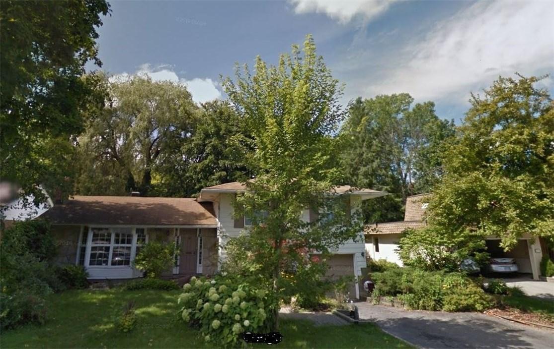 618 Gaines Drive, Ottawa, Ontario K1J7W6