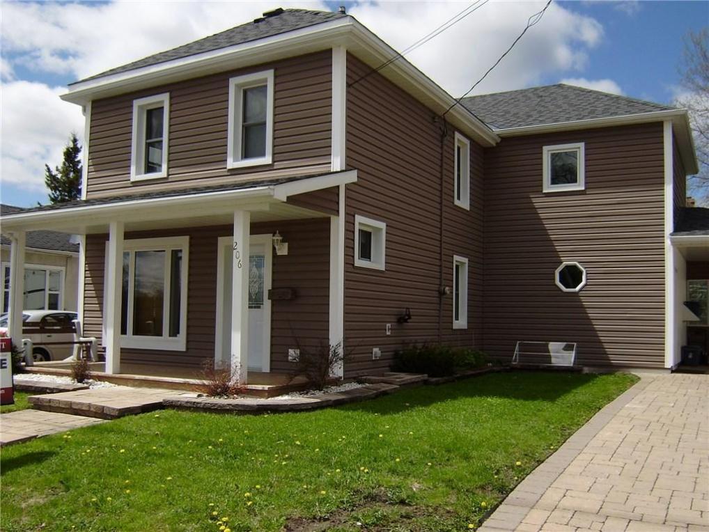 206 Elgin Street, Renfrew, Ontario K7B3V2