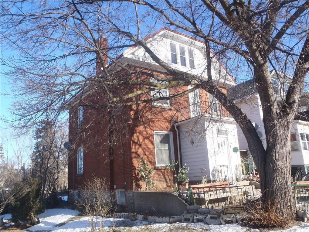 38 Glen Avenue, Smiths Falls, Ontario K7A1S5