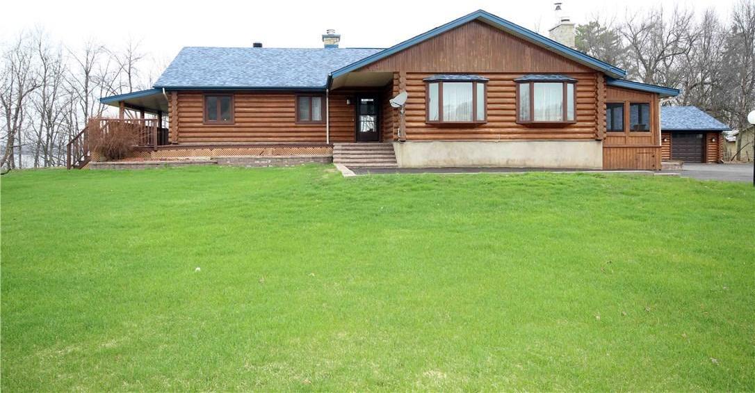 9356 County Road 17 Road, Rockland, Ontario K4K1K9