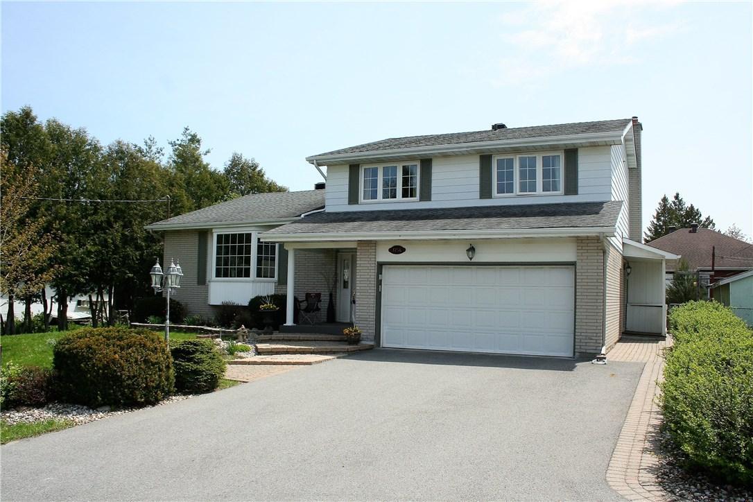 1754 Rosebella Avenue, Ottawa, Ontario K1T1G3