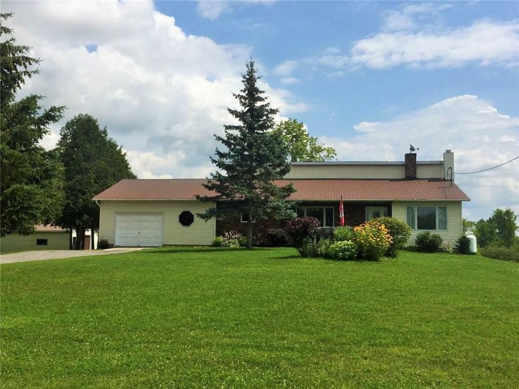 8400 Fallowfield Road, Ashton, Ontario K0A1B0
