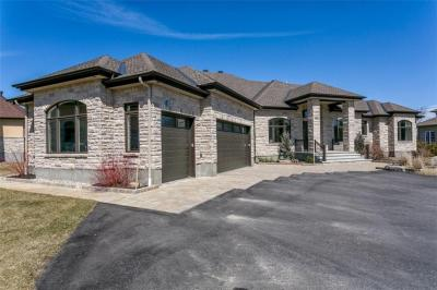 Photo of 6211 Pebblewoods Drive, Ottawa, Ontario K4P0A1