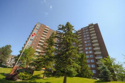 Photo of 915 Elmsmere Road Unit#1001, Ottawa, Ontario K1J8H8