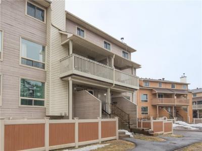 Photo of 794 St Andre Drive Unit#61b, Ottawa, Ontario K1C4S2