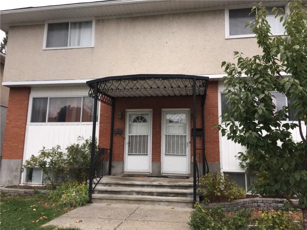 875&877 Pinewood Crescent, Ottawa, Ontario K2B5Y3