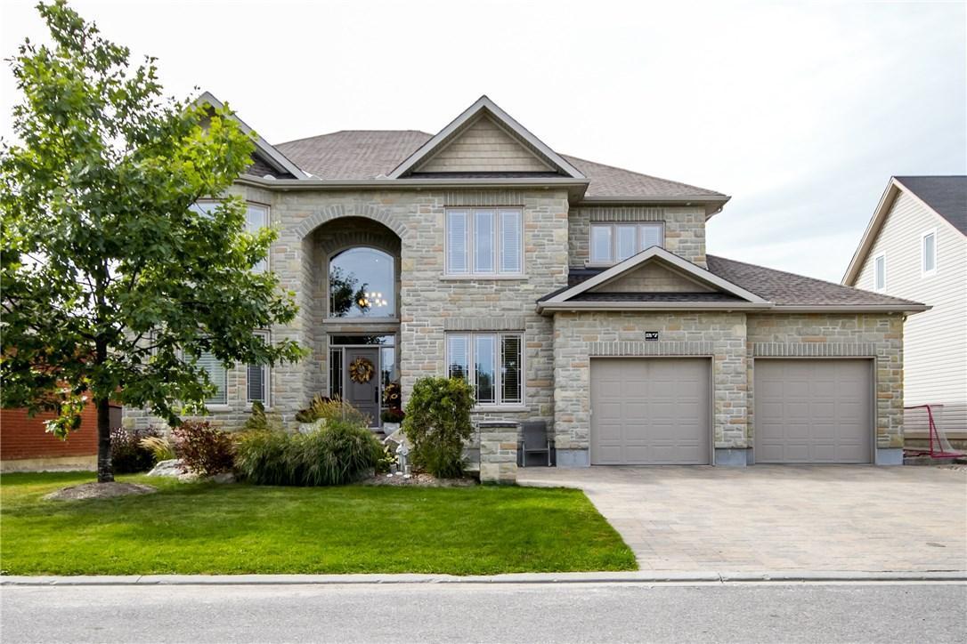 27 Quartz Crescent, Ottawa, Ontario K2S1Z3