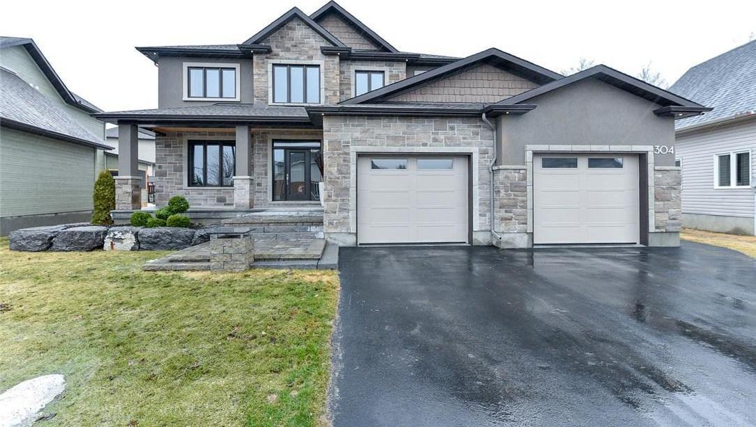 304 Carp Highlands Crescent, Carp, Ontario K0A1L0