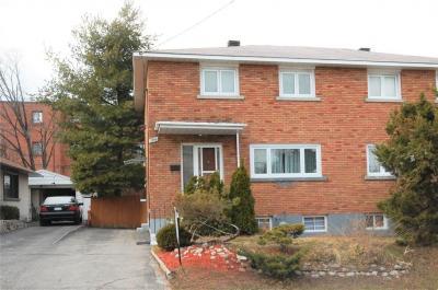 Photo of 1395 Caldwell Avenue, Ottawa, Ontario K1Z8L3