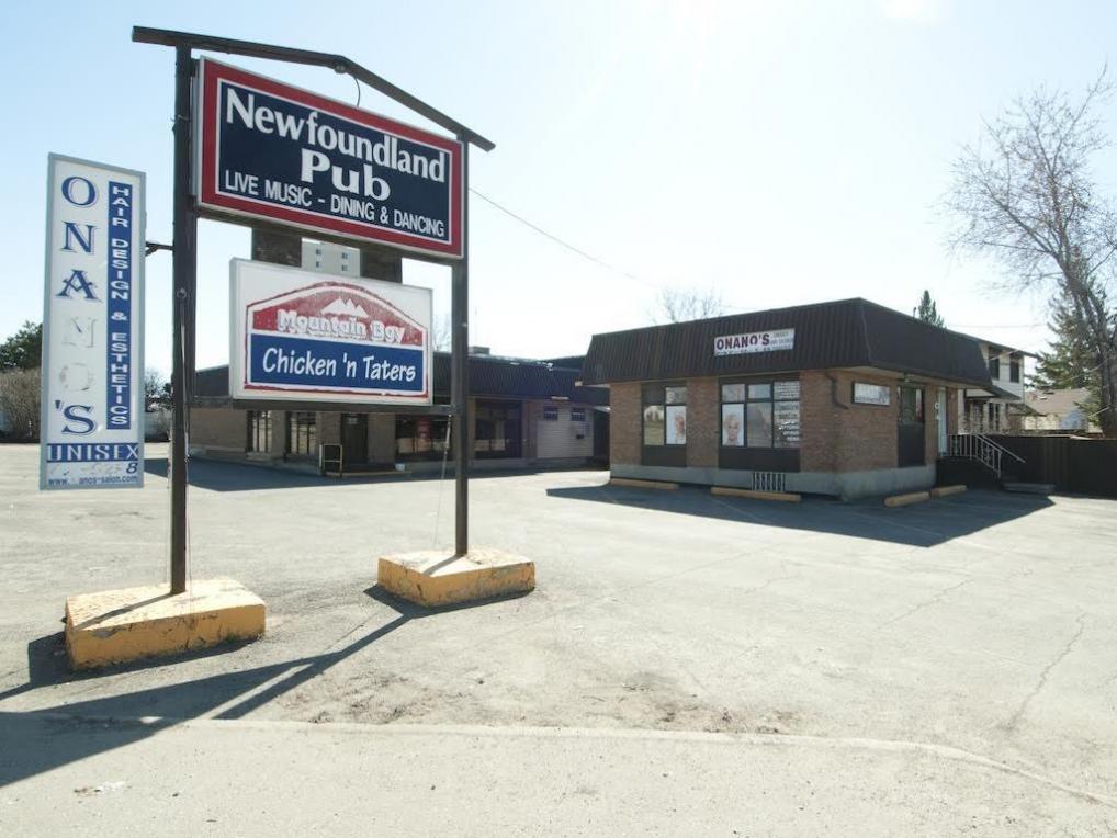 609 Hochelaga Avenue, Ottawa, Ontario K1K4E5