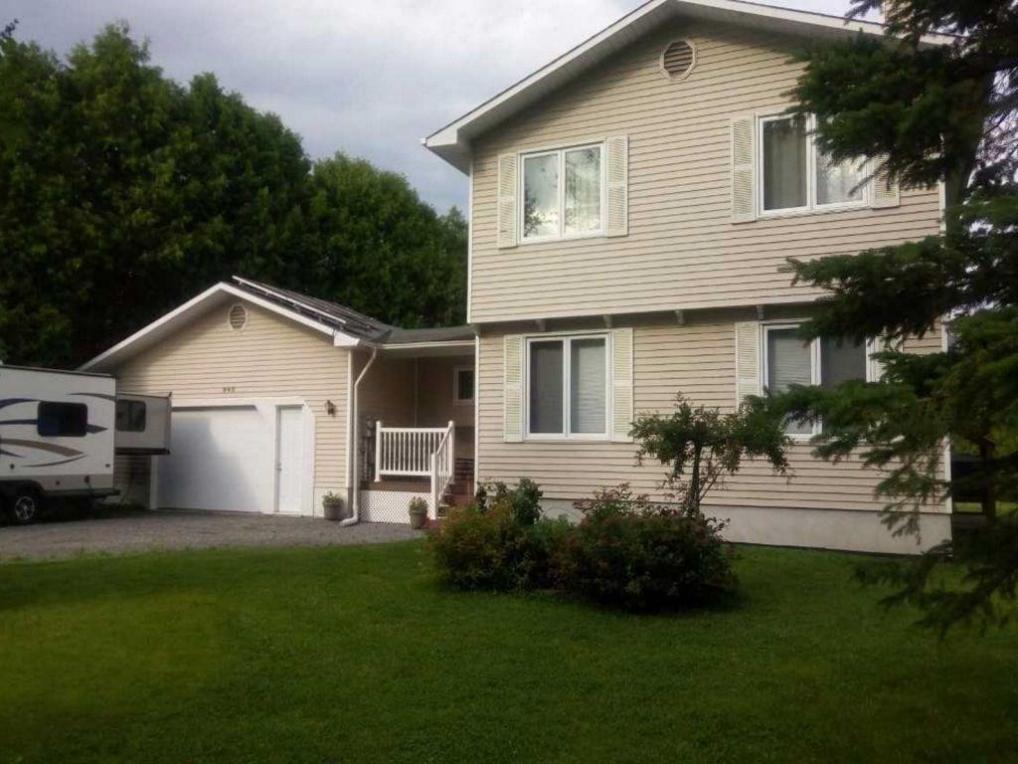 945 Quigley Hill Road, Cumberland, Ontario K4C1H2