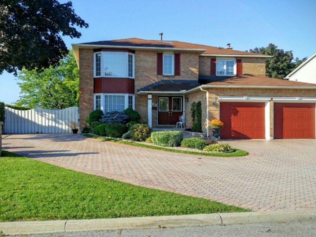 380 River Ridge Crescent, Orleans, Ontario K1E3N3