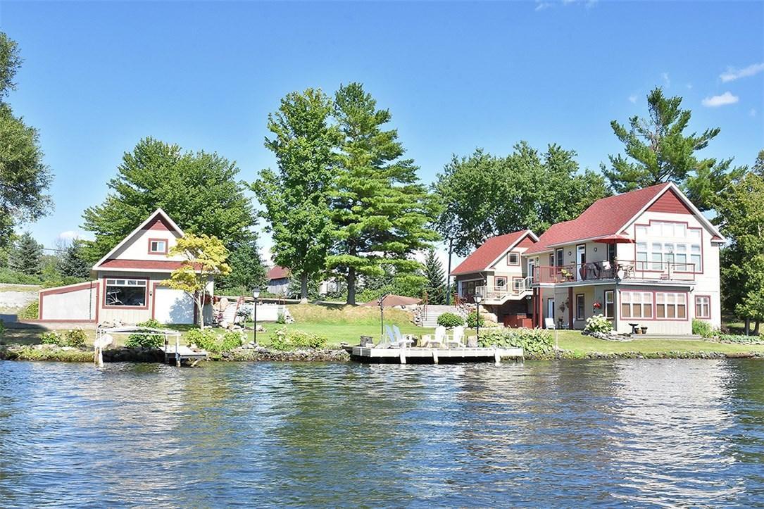 3420 River Road, Manotick, Ontario K4M1B4