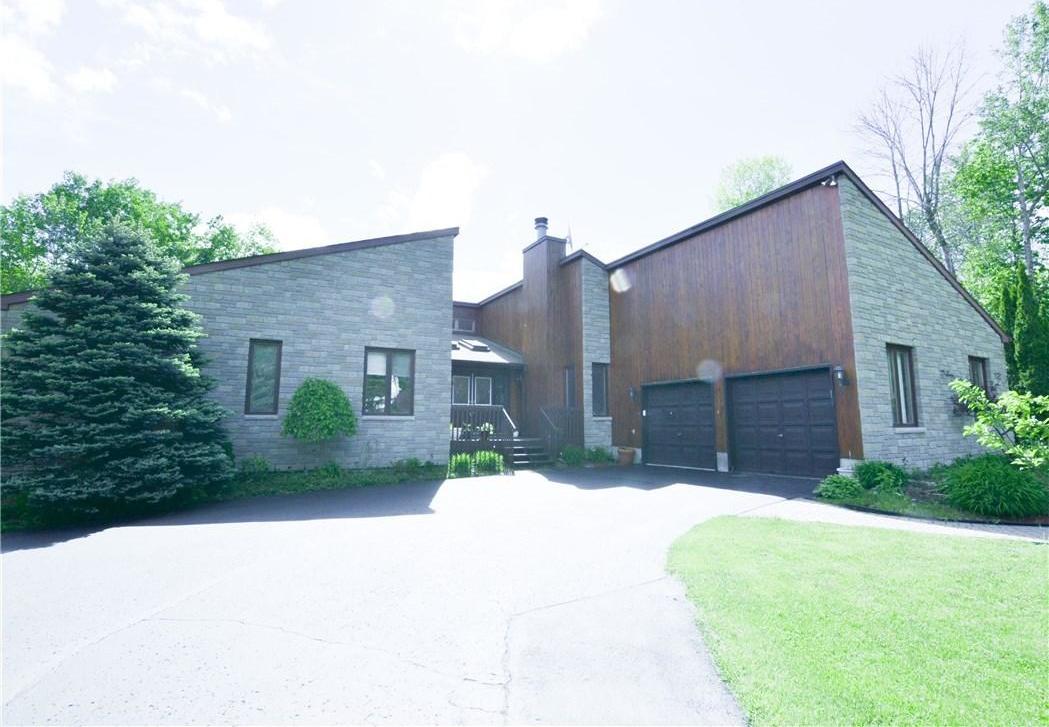 1605 Royal Orchard Drive, Cumberland, Ontario K4C1A9
