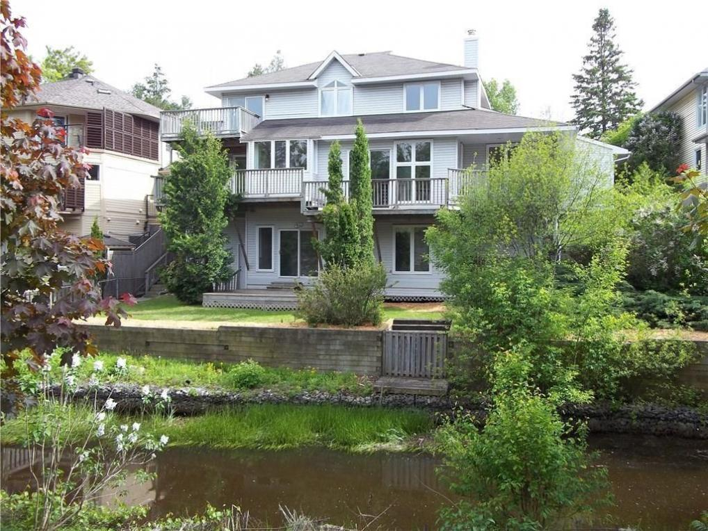 73 Villa Crescent, Ottawa, Ontario K2C0H7