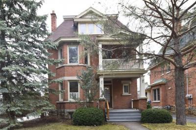 Photo of 305 Riverdale Avenue, Ottawa, Ontario K1S1R4