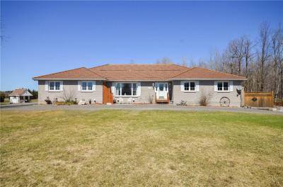 Photo of 9859 Russell Road, Cumberland, Ontario K4B1R8