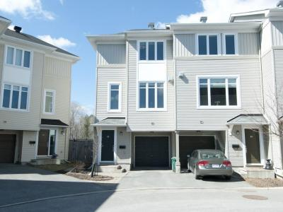 Photo of 92 Songbird Private, Ottawa, Ontario K2H0A2