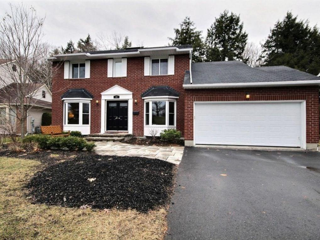 43 Parklands Avenue, Russell, Ontario K4R1A2