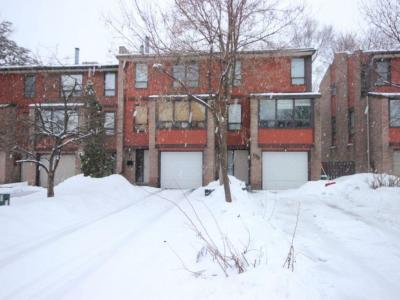 Photo of 34 Marielle Court, Nepean, Ontario K2B8P5