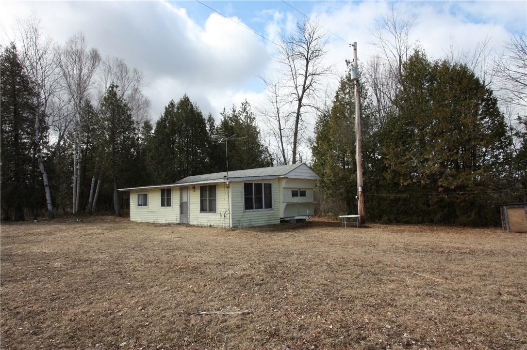 138c Bobiak Road, Lyndhurst, Ontario K0E1N0
