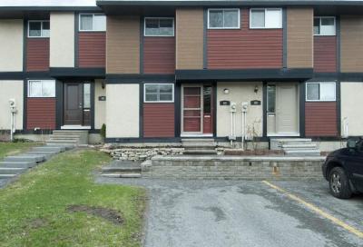 Photo of 62 Mcclintock Way, Kanata, Ontario K2L2A2
