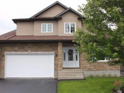 Photo of 61 South Indian Drive, Limoges, Ontario K0A2M0