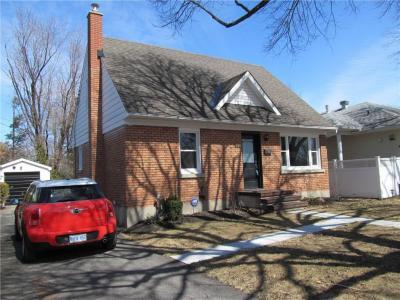 Photo of 153 Balfour Avenue, Ottawa, Ontario K1G0H1