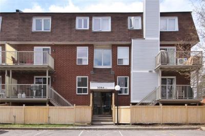 Photo of 3064 Councillors Way Unit#g, Ottawa, Ontario K1T2S9