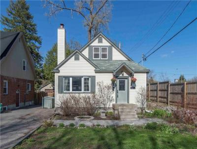 Photo of 261 Greensway Avenue, Ottawa, Ontario K1L7V4
