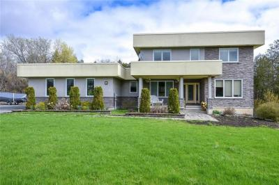 Photo of 109 Country Carriage Way, Carp, Ontario K0A1L0