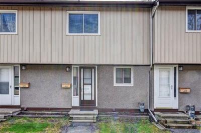 Photo of 322 Woodfield Drive, Nepean, Ontario K2G3W9
