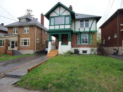 Photo of 145 Cameron Avenue, Ottawa, Ontario K1S0X2