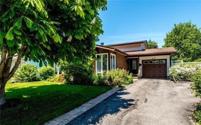 Photo of 2029 Kingsgrove Crescent, Ottawa, Ontario K1J6E9