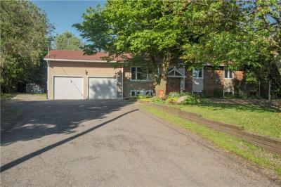 Photo of 201 Stanley Crescent, Russell, Ontario K4R1E5