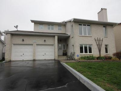 Photo of 3330 Descotes Circle, Rockland, Ontario K4K1K7