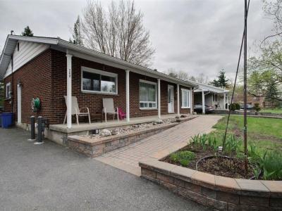 Photo of 625 Thorne Street, Hawkesbury, Ontario K6A2N8